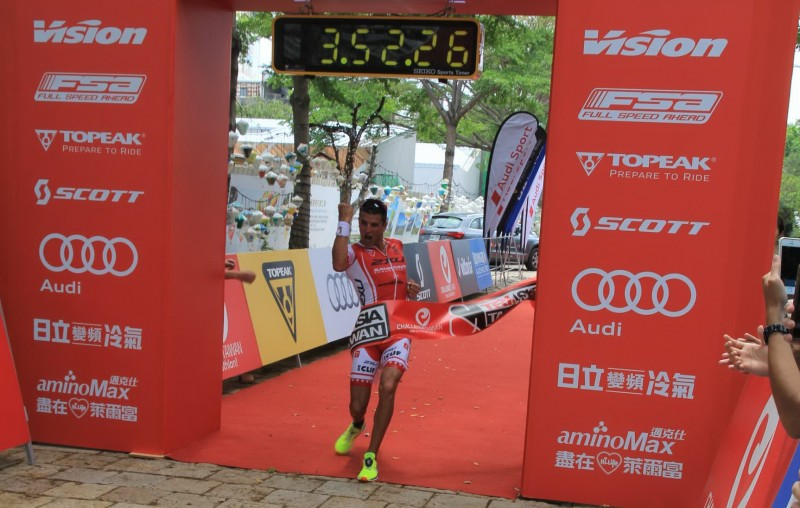 Terenzo Bozzone, winner of Challenge Taiwan half on April 25th