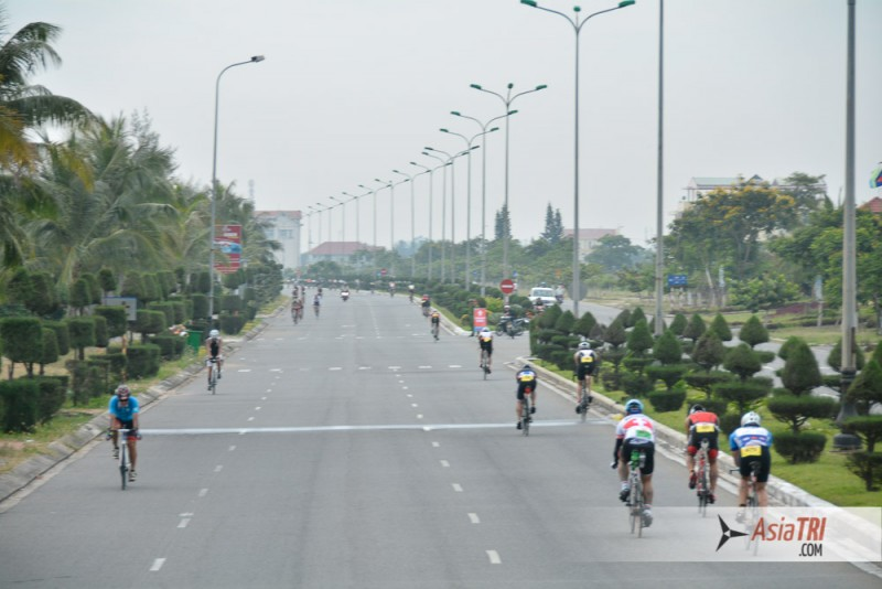3 loops of 19.2km at 100% car free roads makes 2/3 of the course