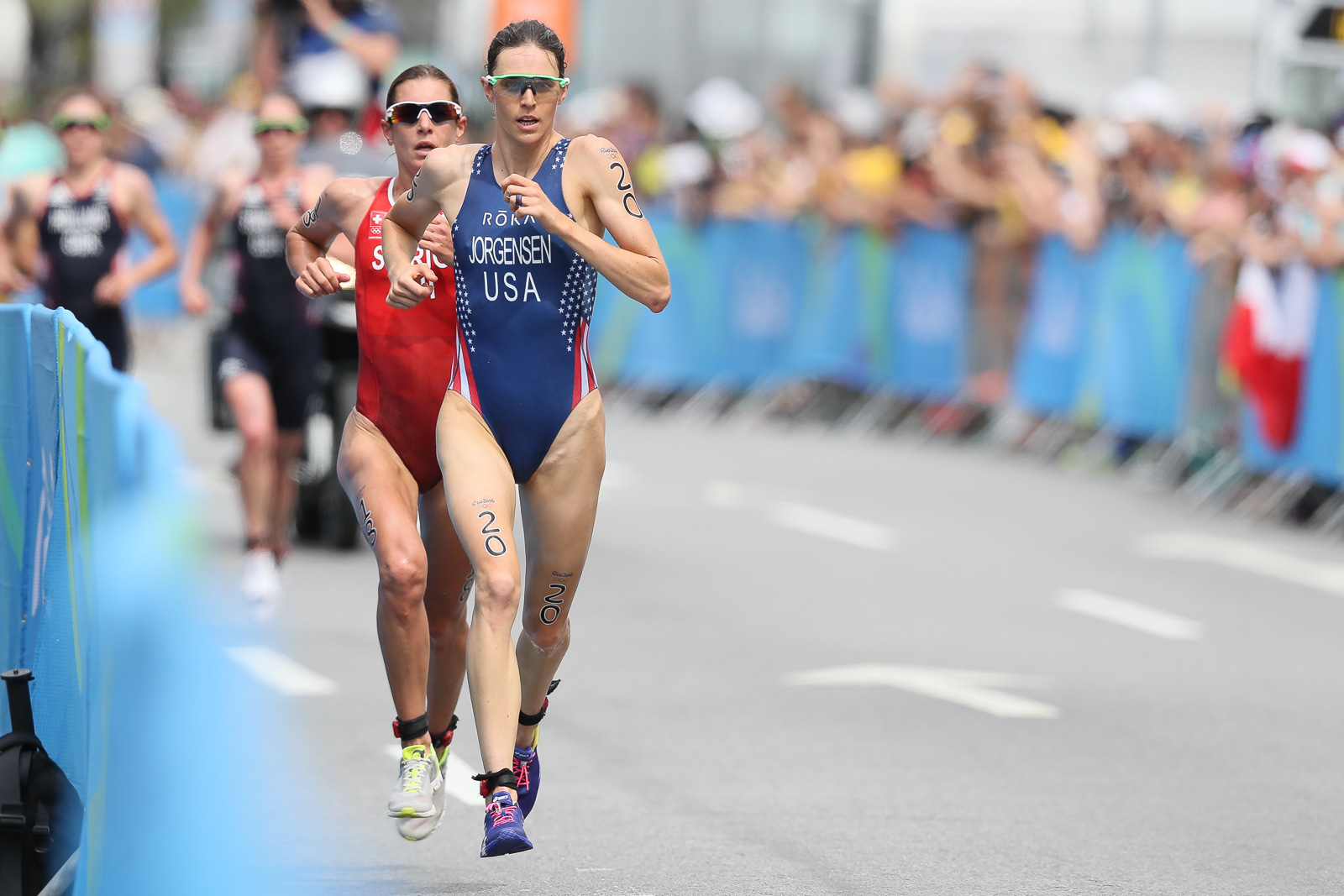 Gwen Jorgensen leads Nicola Spirig at the Rio Olympics