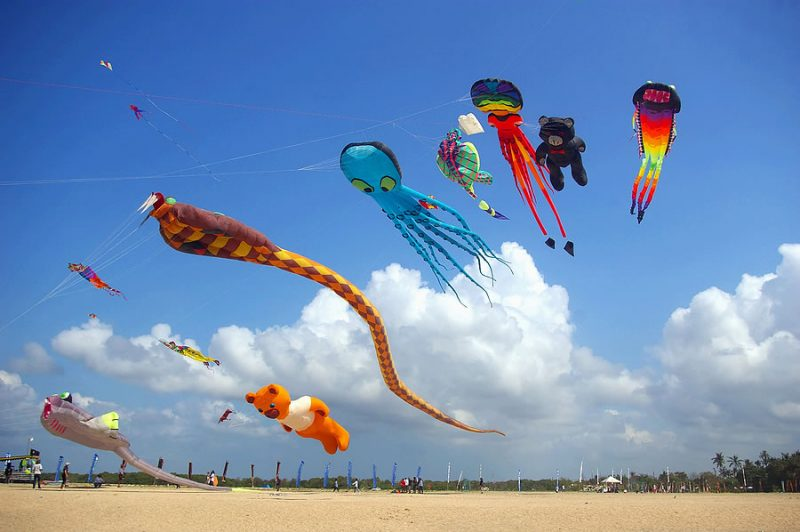 colorful_kites_on_the_beach_213758661