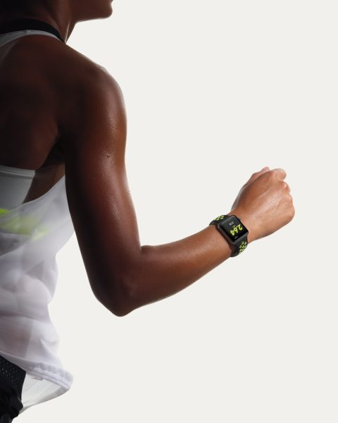 Watch-Lifestyle-Female-Runner_PR-PRINT