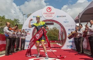Andy Potts and Ellie Salthouse win CHALLENGECANCUN after leading from start to finish